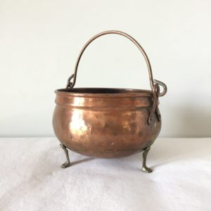 chaudron de sorcière en cuivre